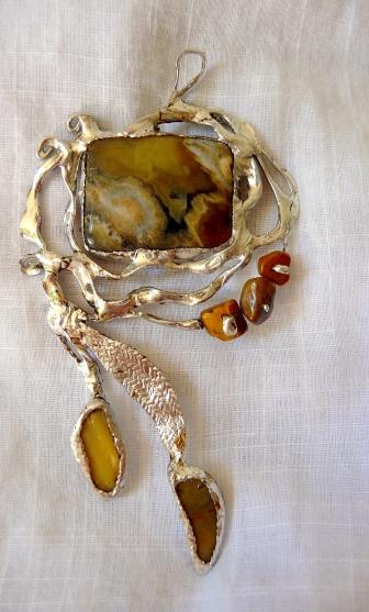 Agate, coquillages et perles d'oeil de tigre