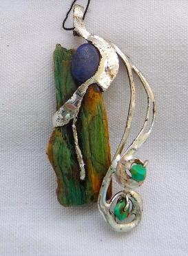 Bois bleu,lapis lazuli et turquoises